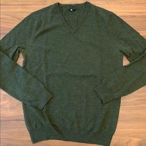 men's Jcrew v-neck merino sweater. Heather green.